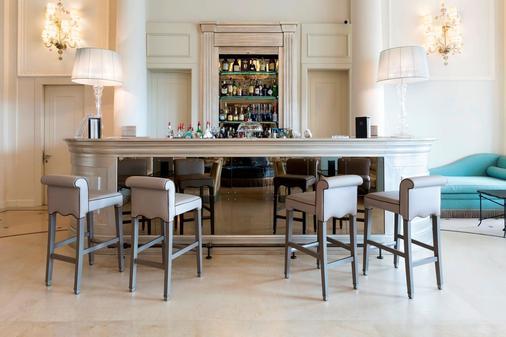 里雅斯特萨瓦尔星际酒店 - 的里雅斯特 - 酒吧