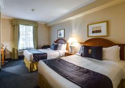 多伦多西套房蒙特卡洛酒店 - 米西索加 - 睡房
