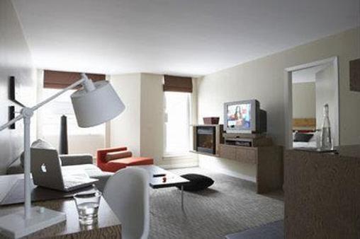 阿达拉酒店 - 惠斯勒 - 客厅