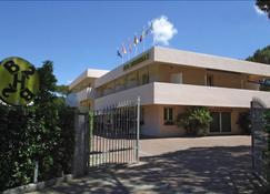 巴卡罗拉二号酒店 - 坎普内尔巴 - 建筑