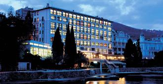 Hotel Kristal - 奥帕提亚 - 建筑