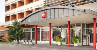 宜必思布达佩斯航空酒店 - 布达佩斯 - 建筑