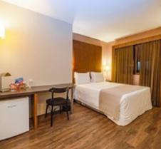 伊利亚港口酒店