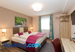小型住宿加早餐酒店 - 萨尔茨堡 - 睡房