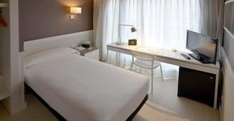 帕拉莱尔酒店 - 巴塞罗那 - 睡房