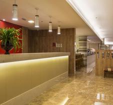 普拉亚都坎托司丽普酒店