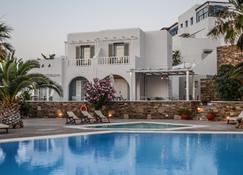 奥尔加旅馆 - Ios - 游泳池