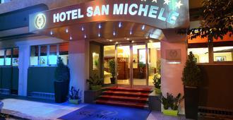 圣米歇尔酒店 - 米拉佐 - 建筑