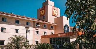 约恩维利10号酒店 - 若因维利 - 建筑