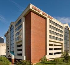 哥伦布会议中心德鲁里套房酒店