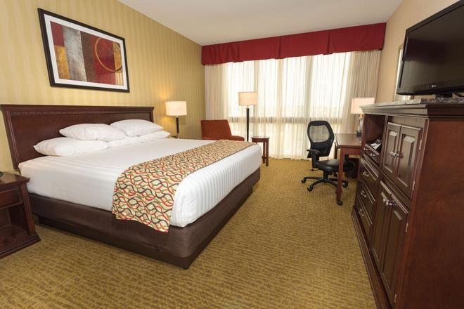 哥伦布会议中心德鲁里套房酒店 - 哥伦布 - 睡房