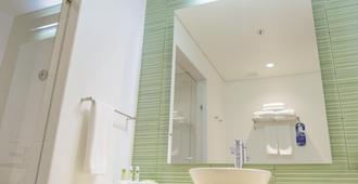 博卡格兰德智选假日酒店 - 卡塔赫纳 - 浴室