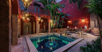里亚德花园赫尼亚住宿加早餐旅馆 - 马拉喀什 - 游泳池