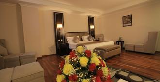 萨罗玛丽亚酒店 - 亚的斯亚贝巴