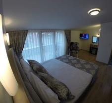 迈丹套房公寓式酒店