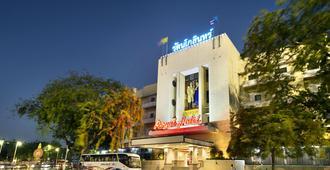 曼谷皇家酒店 - 曼谷 - 建筑
