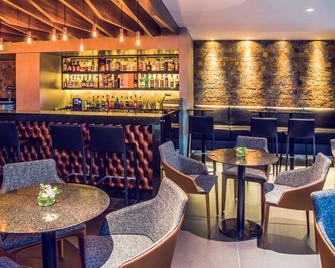 乌贝兰迪亚广场购物美居酒店 - 乌贝兰迪亚 - 酒吧