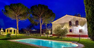 博尔戈维拉酒店 - 曼恰诺 - 游泳池