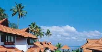 库玛拉孔湖旅游度假酒店 - 库姆阿拉康 - 游泳池