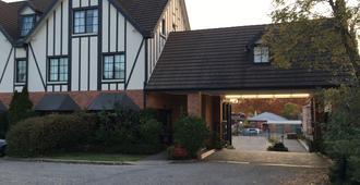 奥伯里庄园旅馆 - 奥尔伯里