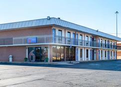Perry 6 号汽车旅馆 - 佩里 - 建筑