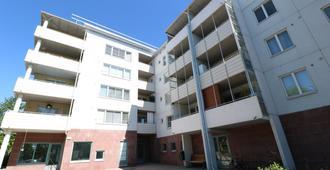 赫尔辛基卡特基卡路 10 号三居公寓酒店 - 赫尔辛基 - 建筑