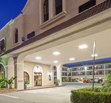 最佳西方帕萨迪纳皇家套房旅馆