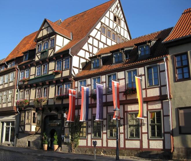 金色阳光酒店 - 奎德林堡 - 建筑