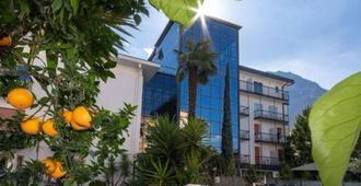 拉佩而拉酒店 - 里瓦 - 建筑