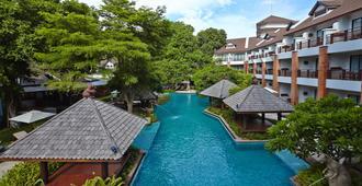 兀兰酒店度假村 - 芭堤雅 - 游泳池