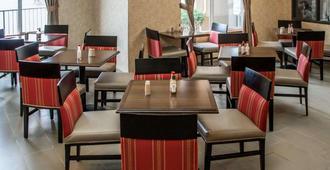 西南舒適套房飯店 - 波特兰 - 餐馆