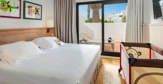兰萨罗特花园H10套房酒店 - 科斯塔特吉塞 - 睡房