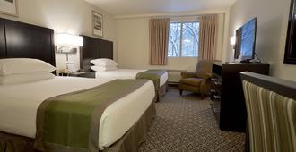 瑞芙萨吉麦迪逊酒店 - 斯波坎 - 睡房
