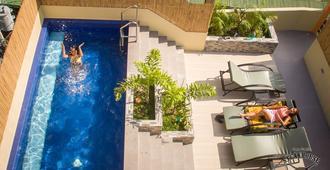 帕帕弗雷德斯海滩度假村 - 加莱拉港 - 游泳池