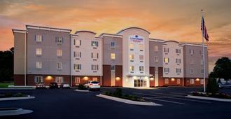 北小石城烛木套房酒店 - 北小石城