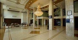 艾弗格兰皇宫酒店 - 拉杰果德