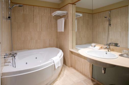 Nh巴利亚多利德城市酒店 - 巴利亚多利德 - 浴室