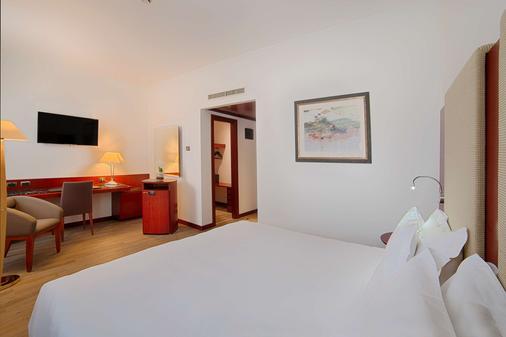 Nh巴勒莫酒店 - 巴勒莫 - 睡房