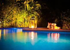马塔纳迪瓦波萨达旅馆 - 托兰克索 - 游泳池