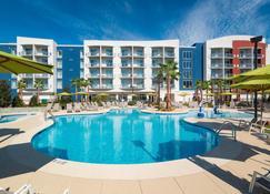 橙色海湾万豪春季山丘套房酒店 - 橘子海滩 - 游泳池