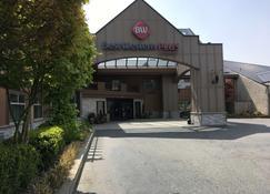 西佳plus兰利旅馆 - 兰里 - 建筑