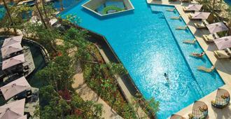 巴厘岛金巴兰森林度假酒店 - South Kuta - 游泳池