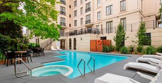 乔利蒙特曼特拉酒店 - 墨尔本 - 游泳池