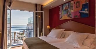 普拉特雅道尔酒店 - 锡切斯 - 睡房