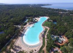 索拉纳斯彭德尔埃斯特水疗度假酒店 - 埃斯特角城 - 游泳池