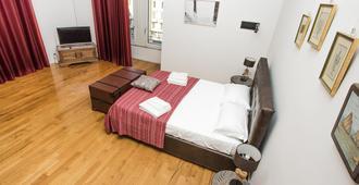 宁静 5 号酒店 - 那不勒斯 - 睡房