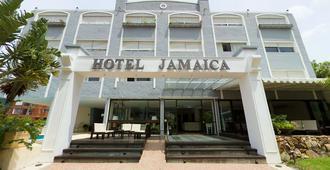 牙买加酒店 - 埃斯特角城 - 建筑