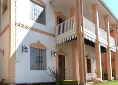 洛瓦索亚旅馆 - 塔那那利佛 - 建筑
