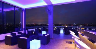 科伦坡依丽安贝斯特韦斯特酒店 - 科伦坡 - 酒吧