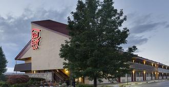 西兰辛红屋顶客栈 - 密歇根州立大学 - 兰辛
